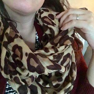 Accessories - Lightweight Leopard Infinity Loop Scarf